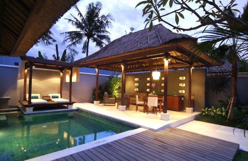 We offer premium hotels & villas