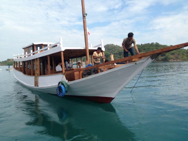 Boat_Komodo_Cruise2